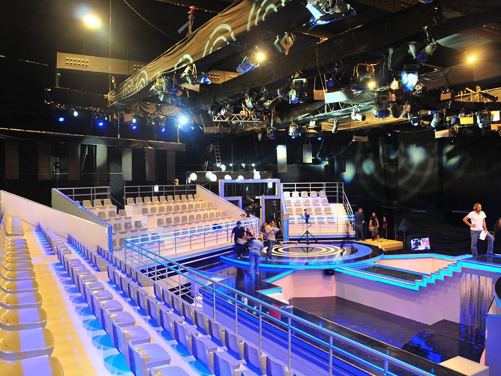 Los Viernes al Show-01(1)